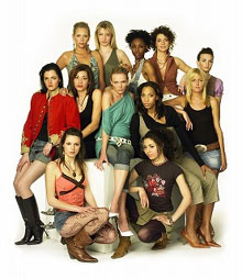 「UK's Next Top Model」  (c)2009 CBS Studios Inc. All Rights Reserved.