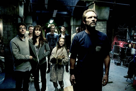 「HEROES」マイロ・ヴィンティミリアも出演! 爪はぎ、連続ビンタなど衝撃シーン満載の映画「ディヴァイド」動画到着