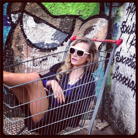 「海外 ショッピングカートに乗る」の画像検索結果