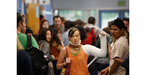 「MTV SATELLITE」にて米大ヒットドラマ3作が日本初公開! 「Awkward.」「Death Valley」「Underemployed」