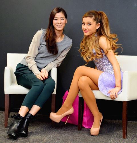 (左から)さがゆりこ、アリアナ・グランデ (C)TV Groove.com