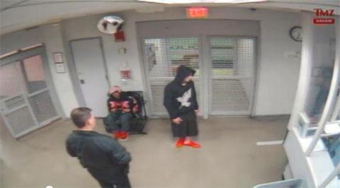 拘置所内のジャスティン・ビーバー