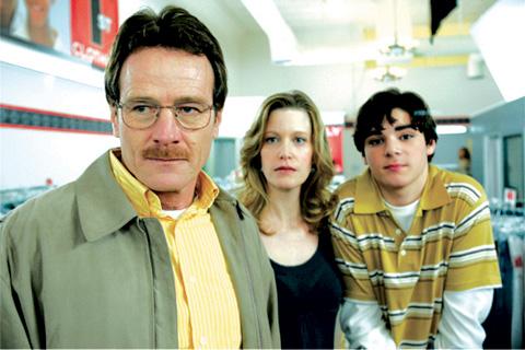 (左から)ブライアン・クランストン、アンナ・ガン、RJ・ミッテ