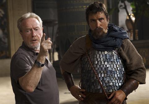 リドリー・スコット監督(左)、クリスチャン・ベール