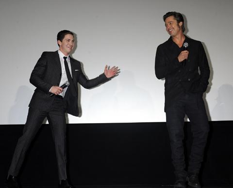 ローガン・ラーマン(左)、ブラッド・ピット