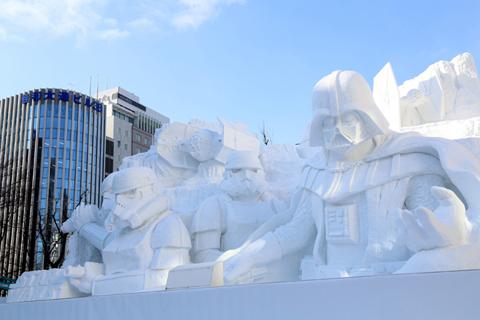 「雪のスター・ウォーズ」大雪像