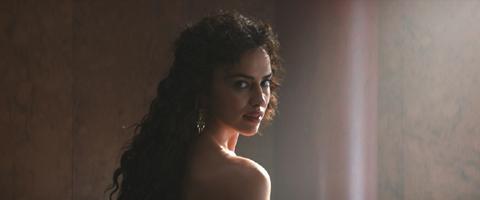 ヘラクレスの妻 メガラ役のイリーナ・シェイク