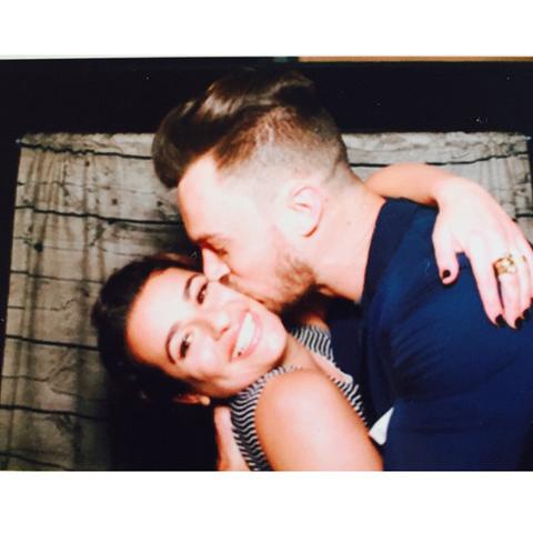 「glee」リア・ミシェル、恋人マシュー・パエツの誕生日をお祝い! SNSに幸せそうなキス写真を公開