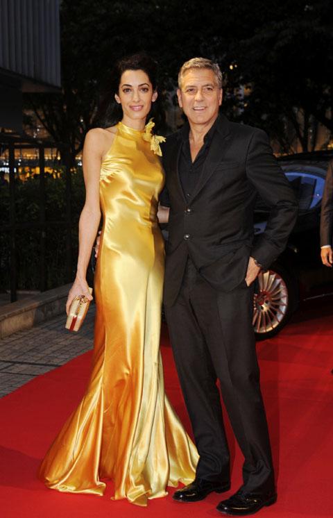 ジョージ・クルーニーと妻のアマル