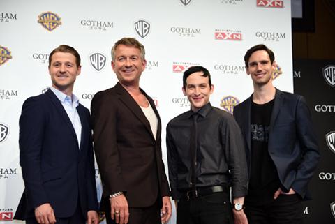 (左から)ベン・マッケンジー、ショーン・パートウィー、ロビン・ロード・テイラー、コリー・マイケル・スミス