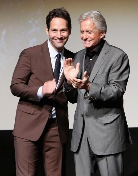 ポール・ラッド(左)とマイケル・ダグラス(右)