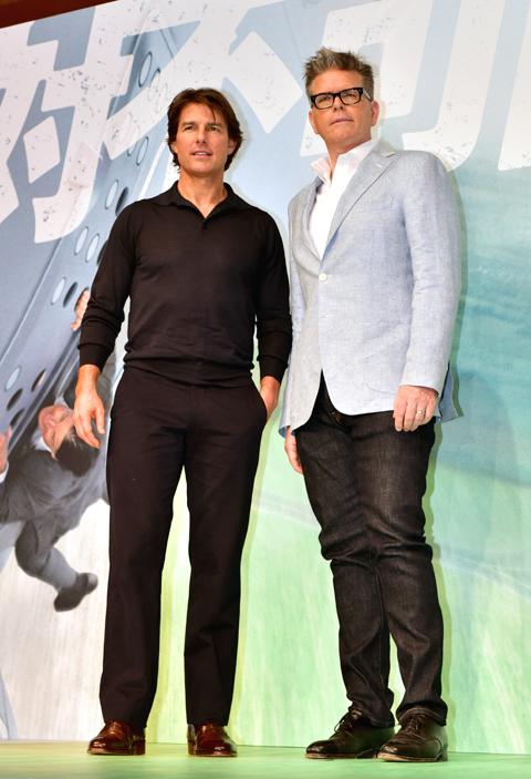 トム・クルーズ(左)、クリストファー・マッカリー監督 (C)TVGroove.com