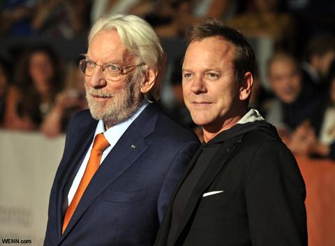 キーファー・サザーランド(右)と父ドナルド・サザーランド(左)