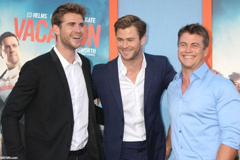 (左から)リアム・ヘムズワース、クリス、ルーク