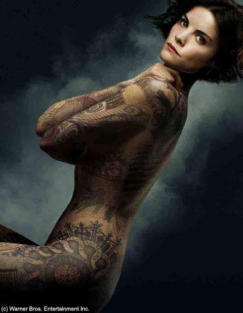 「ブラインドスポット タトゥーの女」