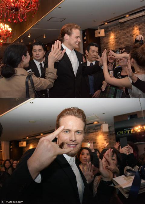 去り際、ファンと触れ合うヒューアン(上段)、カメラに向けてポーズを取ってくれました!(下段) (c)TVGroove.com