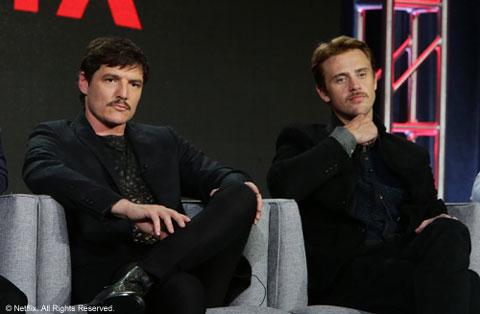 (左から)ペドロ・パスカル&ボイド・ホルブルック© Netflix. All Rights Reserved.
