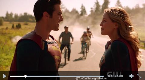 ついにスーパーガールにスーパーマンが登場