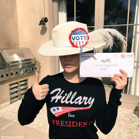 ヒラリーへの投票を訴えるレディー・ガガ