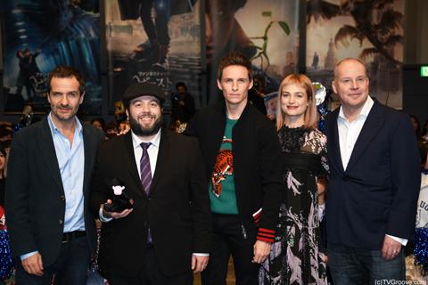 (左から)デイビッド・ヘイマン、ダン・フォグラー、エディ・レッドメイン、アリソン・スドル、デイビット・イェーツ