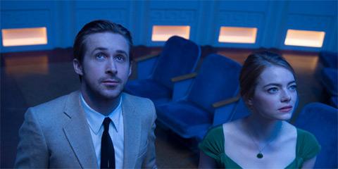 映画「ラ・ラ・ランド」より、エマ・ストーン(右)