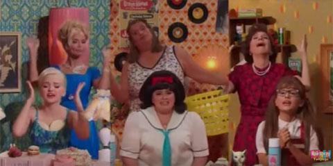アリアナ・グランデ&ダヴ・キャメロンがキュートに熱唱! 生放送ミュージカル「ヘアスプレー」のパフォーマンス映像が公開[動画]