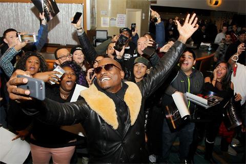 ニューヨーク タイムズスクエアにて行われたファンイベントの様子