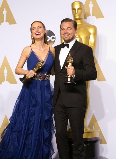 第88回アカデミー賞より、ブリー・ラーソン(左)、レオナルド・ディカプリオ