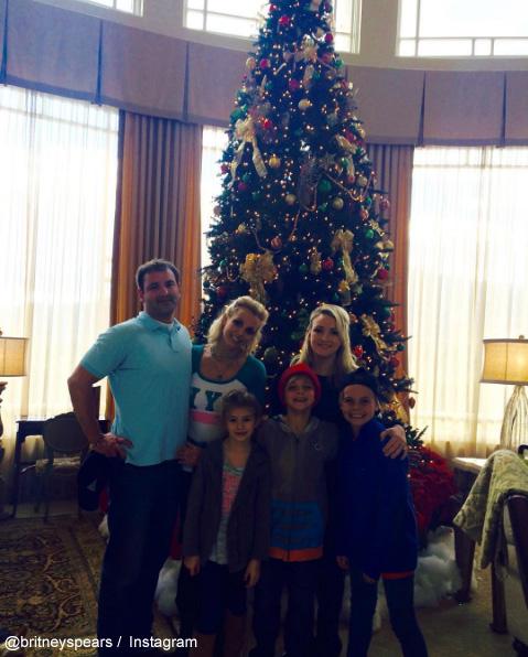 ブリトニー、ジェイミー・リン姉妹と、それぞれの子どもたち