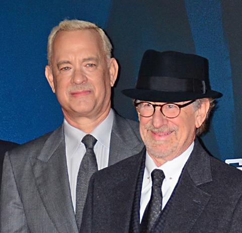 トム・ハンクス(左)、スティーヴン・スピルバーグ