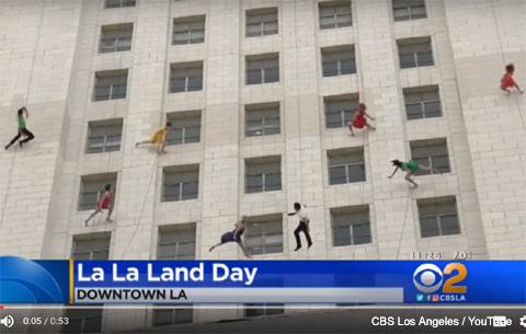 """映画「ラ・ラ・ランド」の人気がすごすぎて""""「ラ・ラ・ランド」の日""""ができちゃった! 華麗なパフォーマンスで記念日制定をお祝い[動画あり]"""