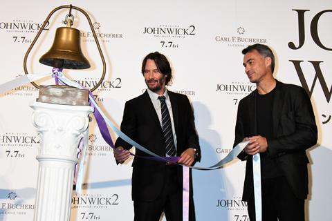 (左から)キアヌ・リーブス、チャド・スタエルスキ監督