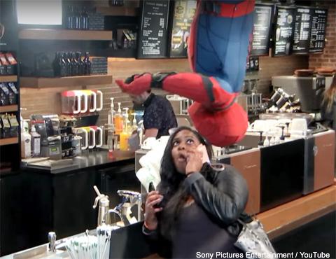 一般人にドッキリを仕掛けるスパイダーマン