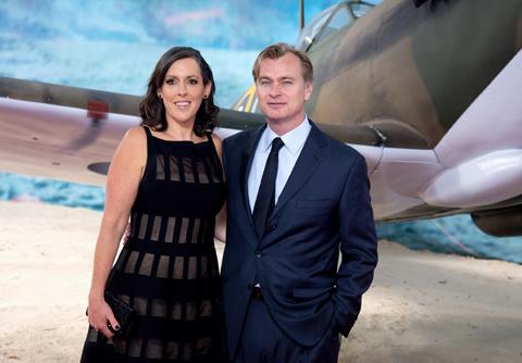 (左)ノーラン監督の妻 エマ・トーマス