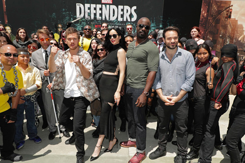 「Marvel ザ・ディフェンダーズ」キャストがコミコンに集結
