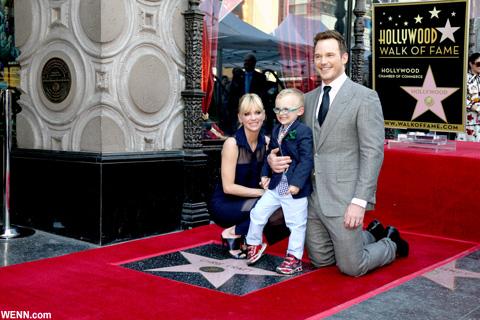 クリス・プラット&アナ・ファリスと、長男ジャック 2017年4月、クリスのハリウッド殿堂入りに際して