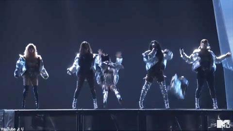 VMAにおける、「フィフス・ハーモニー」のパフォーマンス