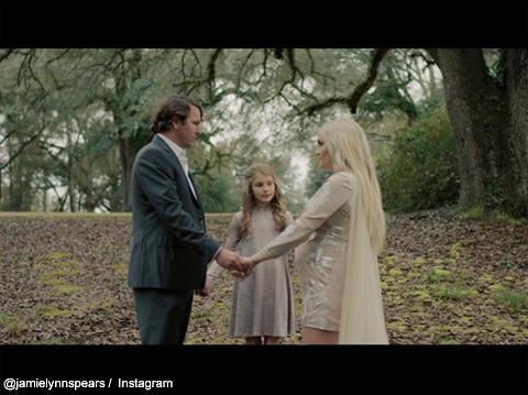 ジェイミー・リン・スピアーズと、夫、娘