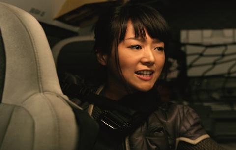 "Netflixオリジナルドラマ「ロスト・イン・スペース」に「HEROES」の祐真キキも出演! 日本人家族""ワタナベ家""も宇宙で迷子"