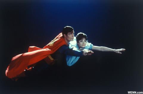 マーゴット・キダーと、故クリストファー・リーヴ 映画「スーパーマン」より