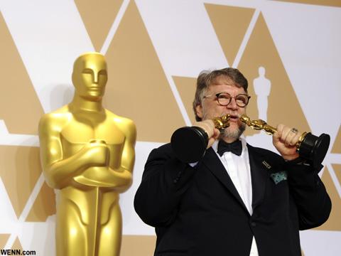 ギレルモ・デル・トロ 第90回アカデミー賞授賞式にて