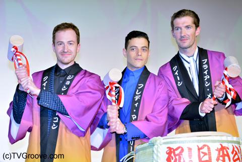左からジョセフ・マッゼロ、ラミ・マレック、グウィリム・リー