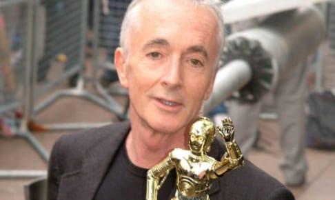 アンソニー・ダニエルズと、C-3PO