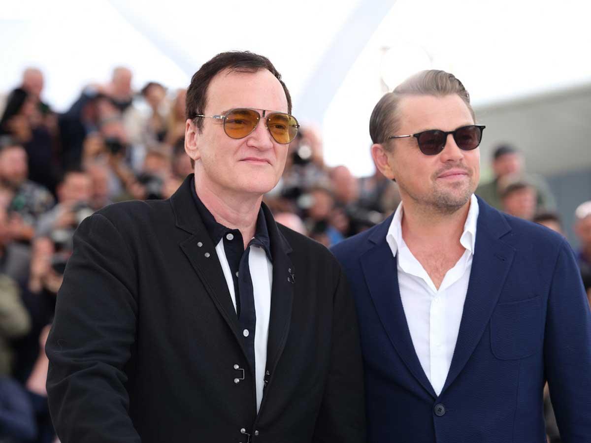 タランティーノ監督、レオナルド・ディカプリオ(右)