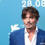 """新华社照片,威尼斯,2019年9月6日   9月6日,在意大利威尼斯,演员约翰尼·德普出席电影《等待野蛮人》拍照式。   电影《等待野蛮人》入围第76届威尼斯电影节主竞赛单元。   新华社记者张铖摄 (+32499848042) ITALY-VENICE-FILM FESTIVAL-WAITING FOR THE BARBARIANS (190906) -- VENICE, Sept. 6, 2019 (Xinhua) -- Actor Johnny Depp attends a photocall for the film """"Waiting for the Barbarians"""" during the 76th Venice International Film Festival in Venice, Italy, on Sept.6, 2019. (Xinhua/Zhang Cheng) Where: 威尼斯 When: 06 Sep 2019"""