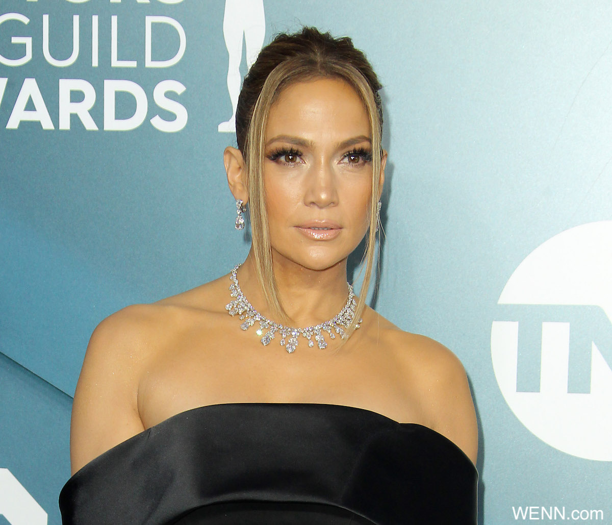 26th Annual SAG Awards Arrivals 2019 held at Shrine Auditorium in Los Angeles California. Featuring: Jennifer Lopez Where: Los Angeles, California, United States When: 19 Jan 2020 Credit: Adriana M. Barraza/WENN
