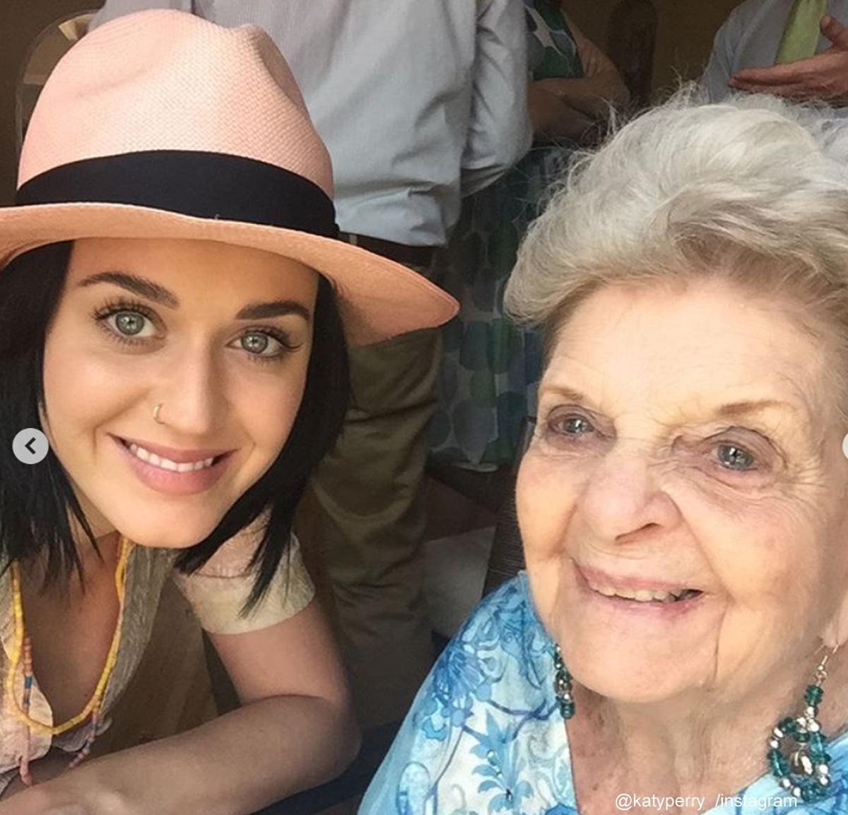 ケイティ・ペリーと祖母アンさん