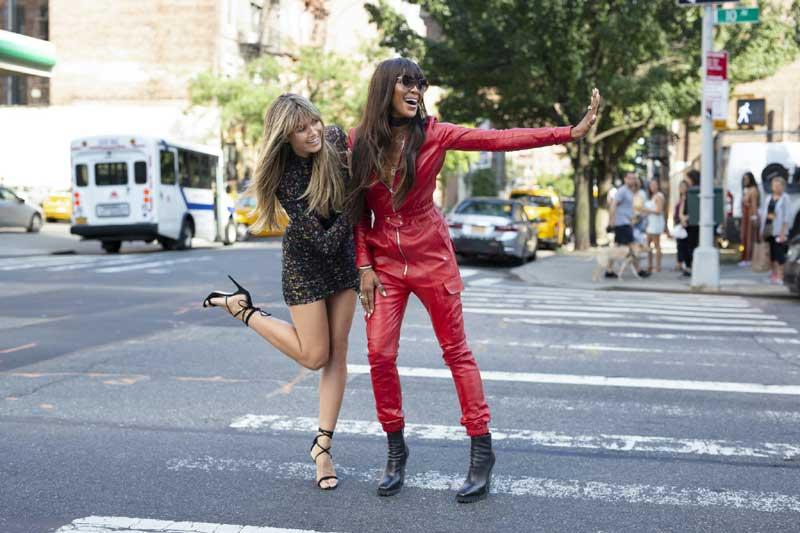 ニューヨークのストリートでも圧倒的オーラを放つハイディ・クルムと、ナオミ・キャンベル