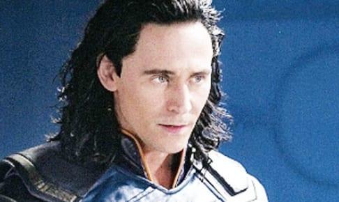 トム・ヒドルストンが演じるロキ