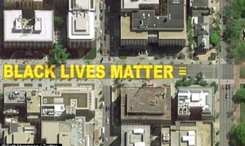 上空から見た「Black Lives Matter Plaza」